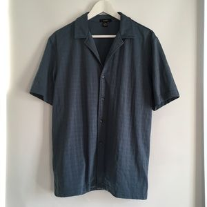 ALFANI Button Down Shirt In Blue - Medium